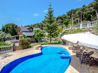 Catalunya Casas: Villa Cebria el Maresme for 9 guests, only 6km to the beach!