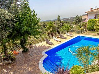 Catalunya Casas: Villa Ametlla in the Barcelona countryside, only 35km to the ci