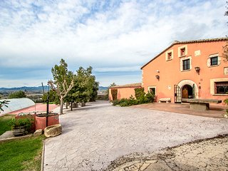 Catalunya Casas: Countryside Masia Gipot, only 25 minutes from Sitges beaches!
