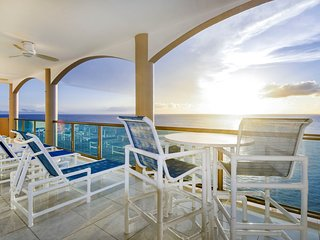Casa Corazon - 4BR Penthouse & Stunning Views in El Cantil - PHAS