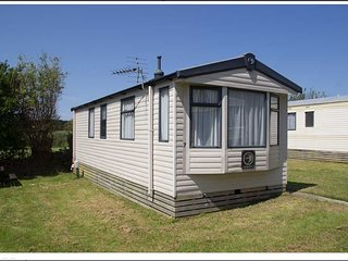 Holiday Home - Swift Burgundy Number 4