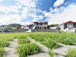 Quinta do Basalto (Casa Jarro)