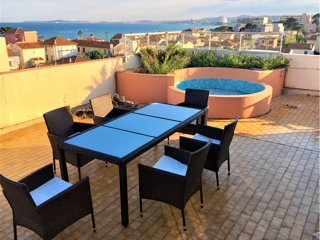 2 BEDROOM TOP FLOOR APARTMENT WITH LARGE TERRACE ONLY 100 METER FROM THE BEACH