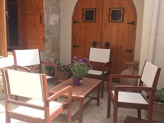 flip flop traditional Cretan village house