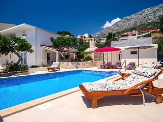 Villa Dasianda - 90 m from the beach, with private pool, 12 persons MAX