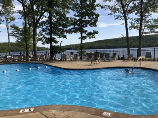 Summer/Winter Resort Pool,Lake,Beach,Hot tub,Jacuzzi,Pool Tbl, Nxt to BB Slopes