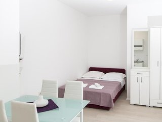 Cosy studio in the center of Dubrovnik with Internet, Air conditioning, Terrace