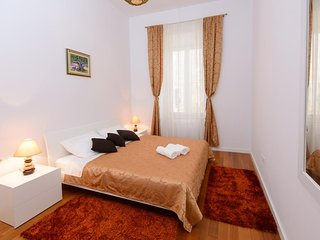 Spacious apartment in the center of Dubrovnik with Internet, Air conditioning
