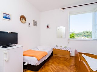 Bedroom 870 m from the center of Dubrovnik (990631)