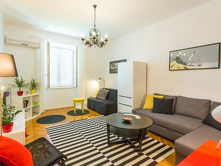 Cozy apartment very close to the centre of Dubrovnik with Internet, Washing mach