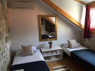 Bedroom in the center of Dubrovnik with Internet, Air conditioning (990854)