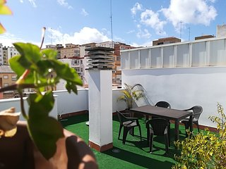 Spacious apartment close to the center of Málaga with Lift, Parking, Internet, W