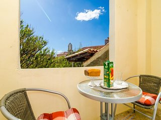 Bedroom in the center of Dubrovnik with Internet, Air conditioning, Balcony (991
