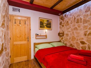 Bedroom in the center of Dubrovnik with Internet, Air conditioning (987896)