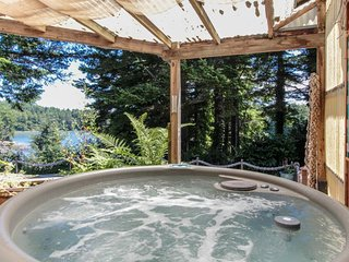 Dog-friendly home with private hot tub, peaceful surroundings, gorgeous views!