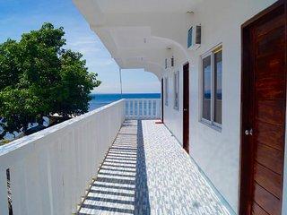 Hana Natsu Beach Resort (Basic Triple Room 3)