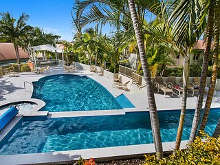 Sea Breeze Unit 10 - Situated in the Lennox Head Beach Resort