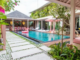 A Mar 5 Bedroom Villa, Canggu