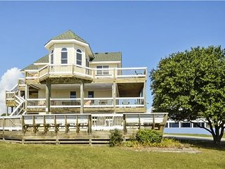 Perfect Family House! Close walk to beach, Pool, Hot Tub WH-21