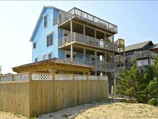 Gorgeous Ocean Front House on Hatteras Seashore, Private Pool, Hot Tub, Tiki Bar
