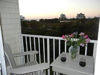 Cute 1 bedroom condo. Lovingly decorated and cared for, nightly rentals