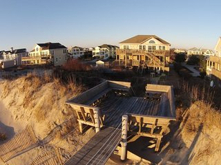 Oceanfront, Private Pool, Hot Tub, Huge Rec. room, Pets OK, Wide Uncrowded Beach