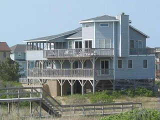 AMAZING VIEWS! Beautiful house, unobstructed ocean views, pet friendly!