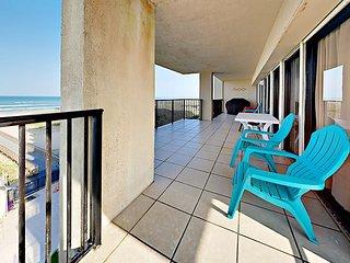2 Balconies w/ Big Gulf Views! 3BR Beachfront w/ Pools, Hot Tub & Beach