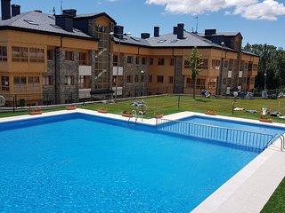 Estupendo apartamento, muy comodo y moderno con gran terraza(Piscina-pádel)