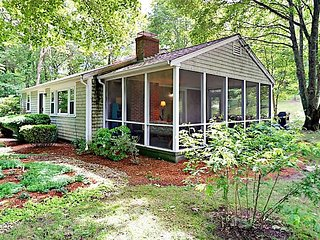 Lakefront 2BR Cottage w/ Screened Porch, Large Yard & BBQ – Newly Updated!