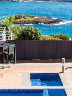 Yellow Dream VIlla 2 . Seaside Luxury Dream Villa!