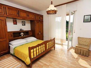 Two bedroom apartment Podstrana, Split (A-4894-a)