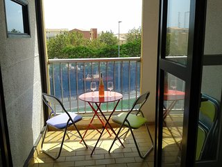 Renovated 1 Bed Apartment + Terrace + Parking
