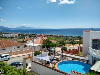 Last minute Duquesa Princesa Kristina 2 bed Sea view pool 382