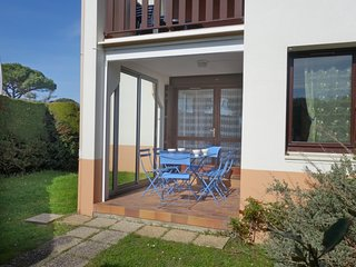2 bedroom Apartment in Vaux-sur-Mer, Nouvelle-Aquitaine, France : ref 5345683