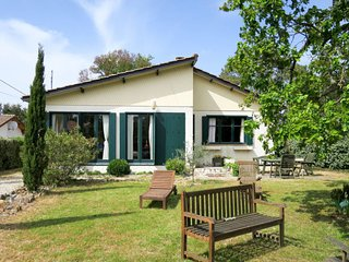 3 bedroom Villa in Montalivet-les-Bains, Nouvelle-Aquitaine, France : ref 564219
