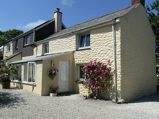 Ventonvaise Cottage Perranporth NR Great Beach's in Idyllic location,lge garden