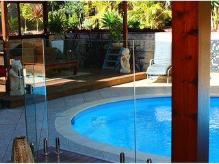 ❤BALI ESCAPE in HILLARYS❤BnB for 1-2 Guests: Balinese Inspired ➕Pool➕Bikes
