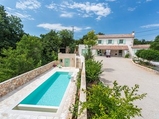 Stonehouse Villa Levanda With Swimming Pool