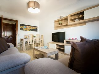 4 bedrooms apartment up to 10 people next to train station Maria Zambrano
