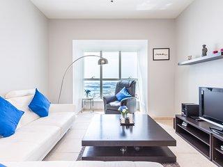 Stylish and bright apartment in Dubai Marina