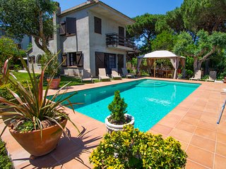 Catalunya Casas: Stunning Villa Meli up to 10 guests, in the heart of Costa Bra