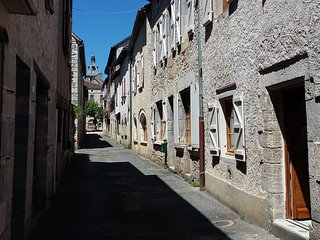 Maison de village à Cajarc. Townhouse for rent in Cajarc, Occitanie.