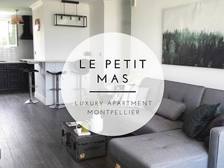 Le Petit Mas - Rare Luxury Apartment, Spacious, AC, View