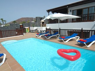 Fantastic Villa in Playa Blanca with Hot Tub, PlayPark, Air Con&Wifi   LVC261708