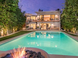 1149 - Modern Los Feliz Estate