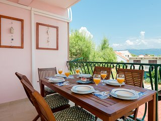 Sunny, modern, luxury sea view apartment! garden, grill, parking,300m beach, 2db