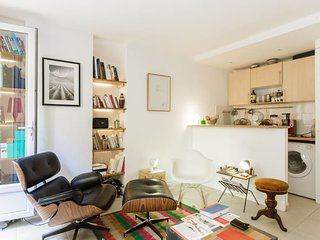 Sunny Apt in heart of Paris next to Luxembourg Garden