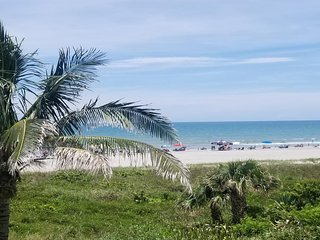 NEW LISTING! Oceanfront condo w/Tiki theme & shared pool w/gorgeous beach views