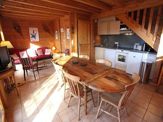 9 pers. 75 m2  etage Sud-Ouest